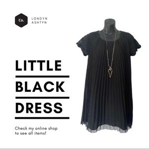 Romeo & Juliet Couture Black pleated dress sz.Med